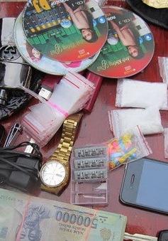 Phát hiện 5 gói ma túy đá trên xe vi phạm giao thông