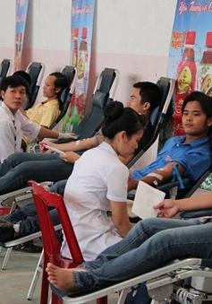 """""""Hành trình Đỏ"""" tại Quảng Bình tiếp nhận 400 đơn vị máu"""