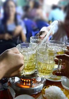 Dự thảo cấm bán rượu bia sau 22h: Liệu có khả thi?