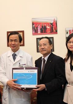 Quỹ TLV và Inax tri ân các bác sĩ khoa tim