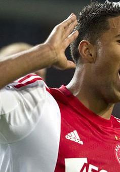 Ajax khiến Barca nếm trái đắng đầu tiên