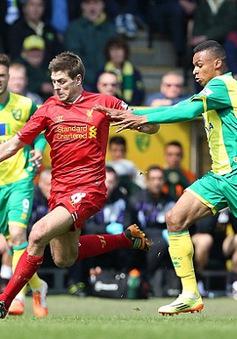 Gerrard sẽ đá… trung vệ trong trận gặp Chelsea