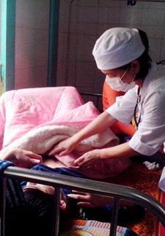 Số người ngộ độc bánh mì tại Quảng Trị đã lên hơn 200