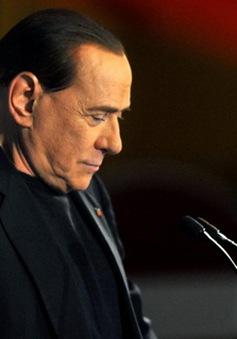 Italy cấm ông Berlusconi hoạt động chính trị trong 2 năm