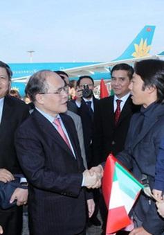 Chủ tịch Quốc hội gặp gỡ cộng đồng người Việt tại Italy