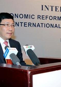 Hội thảo Việt Nam hướng tới phát triển bền vững