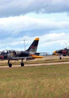22 phi công được huấn luyện bay bằng phản lực chiến đấu L39