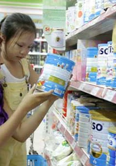 Giá sữa giảm trước ngày áp giá trần