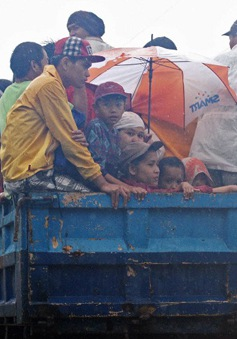 Philippines sơ tán dân trước bão Thần sấm