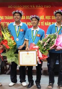 THTT: Lễ tuyên dương học sinh đoạt giải Olympic quốc tế và thủ khoa