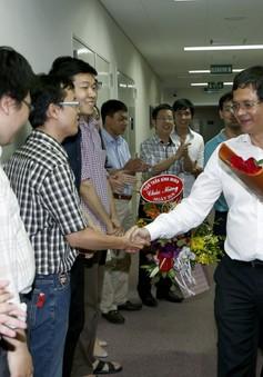 TGĐ Trần Bình Minh chúc mừng TTSX các chương trình Thể thao nhân dịp 21/6