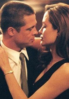 """Brad Pitt nói """"không"""" với cảnh nóng vì Angelina Joilie"""