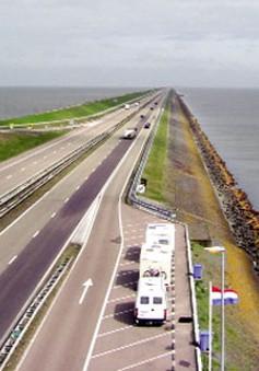 Hùng vĩ đê biển Afsluitdijk –Hà Lan