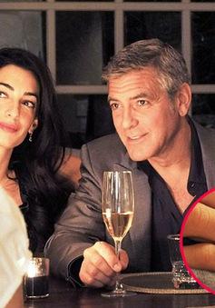 George Clooney trao hôn thê nhẫn kim cương 16 tỷ đồng