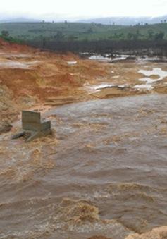Khẩn trương tìm nguyên nhân vỡ đê quai thủy điện Ia Krel 2