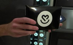 Máy bán hàng tự động bán bộ xét nghiệm COVID-19 tại Mỹ