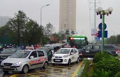 Hà Nội cấm taxi trên 13 tuyến đường, phố