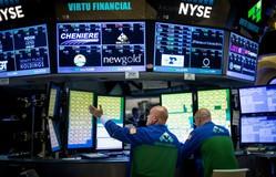 Mỹ: Các chỉ số công nghiệp Dow Jones và S&P 500 tiếp tục phá kỷ lục