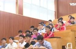 Hàng trăm sinh viên bị buộc thôi học: Đại học siết chặt đầu ra