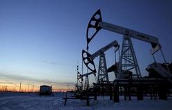 Giá dầu tăng vọt mức cao nhất trong 3 năm