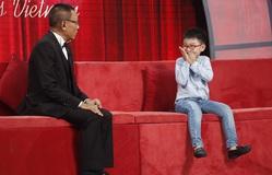 """Mặt trời bé con : Cậu bé 6 tuổi """"đỏ mặt"""" khi chia sẻ về cô bạn thân trên sóng truyền hình"""
