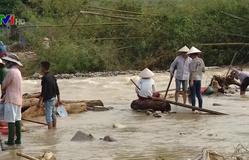 Nhật Bản chuyển hàng viện trợ tới người dân vùng lũ Việt Nam