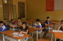 Nỗ lực dạy và học ở vùng lũ Phù Yên
