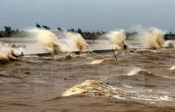 Sóng gió ở các vùng biển phía Bắc mạnh lên