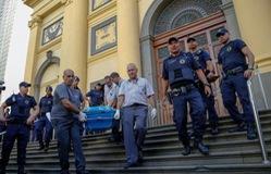 Xả súng tại Pháp và Brazil, hàng chục người thương vong