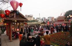 Văn Miếu - Quốc Tử Giám thu hút đông đảo người dân dịp Tết