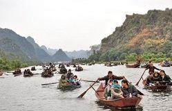 Khai hội chùa Hương: Không còn tình trạng chen lấn, xô đẩy