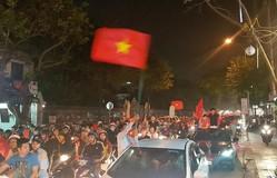 Cổ động viên cả nước vỡ òa niềm vui chiến thắng của U23 Việt Nam