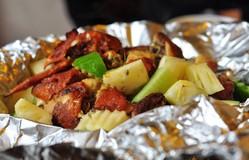 Thưởng thức món gà nướng củ quả ăn bao nhiêu cũng không ngán