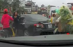 Đề nghị xử lý nghiêm nữ tài xế quay đầu ô tô trên cầu, gây gổ với người đi xe máy
