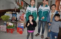 Thương 5 chị em mồ côi rau cháo nuôi nhau