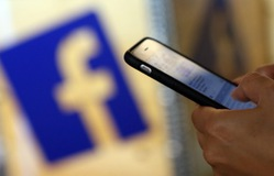 Lỗ hổng kinh doanh dữ liệu của Facebook