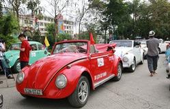 Độc đáo màn diễu hành xe cổ Volkswagen tại Cố đô Huế