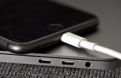Người dùng tố bản cập nhật iOS 11.4 khiến iPhone hao pin nhanh
