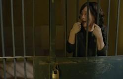 Cả một đời ân oán - Tập 70: Diệu (Lan Phương) phát điên, hoảng loạn la hét trong phòng giam