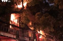 Cháy lớn ở đường La Thành: Cháy 19 căn nhà, 31 hộ và 99 nhân khẩu bị ảnh hưởng