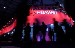"""Google cắt đứt quan hệ, Huawei bắt đầu cảm nhận """"vòng kim cô"""" của Tổng thống Trump"""