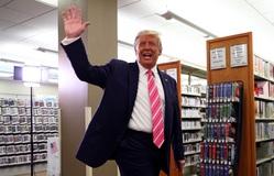 Ông Trump bỏ phiếu sớm tại bang Florida