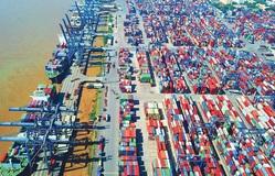 """Kinh tế Việt Nam 2020: Vững vàng trước """"sóng"""" lớn"""