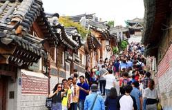 Lượng khách du lịch tới Hàn Quốc giảm hơn 90% trong tháng 3