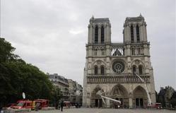 Nhà thờ Đức Bà Paris mở cửa một phần sau thời gian dài đóng cửa