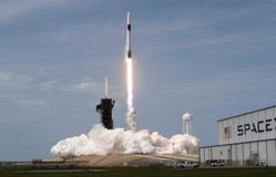 SpaceX phóng tàu vũ trụ: Kỷ nguyên mới du hành không gian thương mại