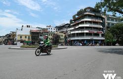 Sau ít ngày dịu mát, nắng nóng gay gắt quay trở lại Hà Nội