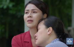 Hướng dương ngược nắng - Tập 20: Minh (Lương Thu Trang) nghẹn ngào ôm chặt người mẹ ngây ngây dại dại