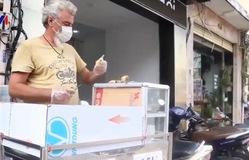 """Người nước ngoài ở Việt Nam bán hàng """"vỉa hè"""""""