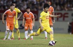 ẢNH: Hoàng Anh Gia Lai vượt qua SHB Đà Nẵng ngay tại Hoà Xuân, giành lại ngôi đầu V.League 2021